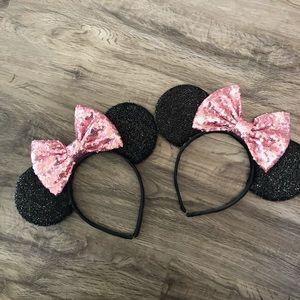 2 Minnie Mouse Disneyland ears headband